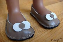 Chaussures poupee
