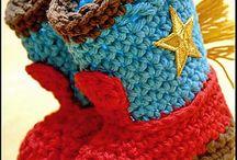 Crochet Baby Shoes / Crochet / by Michelle Albutt