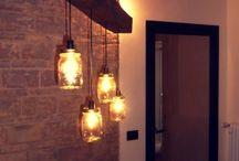 Lampade e Lampadari / Oggetti per l'illuminazione ottenuti utilizzando legno invecchiato e altri materiali