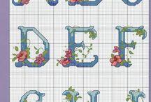Schemi punto croce alfabeti e numeri