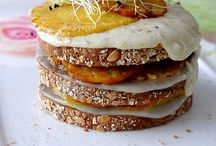 Food : Vegetarian sandwiches, croques, quesadillas, samosas & wraps