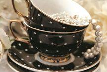 teapots etc / by Elly van Ameijde