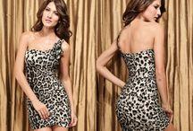 Minišaty s leopardím motivem