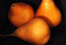 Things I love: Pears / There is just something about pears - their shapes, their colors, their lucious texture. From ripe and ready to eat to fanciful and glittered, I love them all.