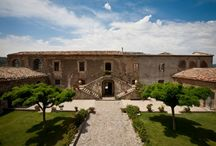 Dream places for Sicilian holidays / Our agriturismi are the perfect place where to stay during your holidays in Sicily.