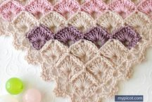 Crochet pattern shawl