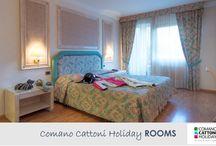 Comano Cattoni Holiday_ROOMS / Sei alla ricerca di un hotel dove dormire alle Terme di Comano? Scopri il Comano Cattoni Holiday e le sue accoglienti e spaziose stanze: nidi di calore e relax nella tua vacanza in Trentino #hoteltrentino #hotel #termedicomano #comanocattoniholiday #benessere