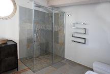 Solodoccia scorrevole nella vecchia scuola / soluzione doccia scorrevole in bagno mansardato