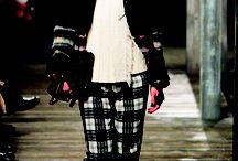 """Pre-Fall 2013 / Từng được xem là một cơn gió thoảng và """"sớm nở tối tàn"""" của dòng chảy thời trang hàng năm, giờ đây Pre-Fall đã vươn mình trở thành một mùa thời trang chính thức với khả năng tạo xu hướng tuyệt vời. - See more at: http://www.elle.vn/content/khi-pre-fall-len-ngoi#sthash.S8vdkMyd.dpuf"""