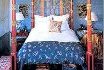 beds/linens / by Kathleen De Simone