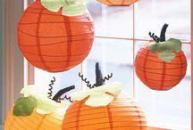 Bobee Halloween Paper Lantern Ideas / Decorating for Halloween with Paper Lantern ~ Ideas, inspiration