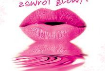 Różowy Zawrót Głowy! / Różowy to wyjątkowo kobiecy i zmysłowy kolor. Jego odcieni jest wiele, od intensywnego amarantu po malinową czerwień. W zależności od potrzeby – dzięki tej barwie – kobieta może być wyrazista i zmysłowa lub delikatna i dziewczęca.  Poprzez akcję Różowy zawrót głowy chcemy zachęcić Polki do spojrzenia na świat przez różowe okulary i do sięgnięcia po kosmetyki o tej właśnie barwie.  Przygotowaliśmy dla Was również serię artykułów, konkursy i promocje!