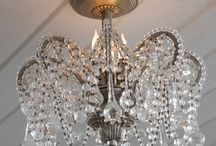 Chandeleirs, light fittings and mirrors