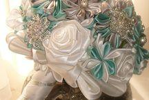 Diamonds and pearls weddingbouquets / Costume handmade fabric, brooche weddingbouquet.