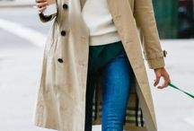 A beautiful fashion must have: the trenchcoat!