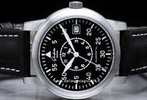 Glashutte Original / Glashutte Original, ovvero più di 165 anni di tradizione orologeria: il continuo sviluppo di orologi sin dalla nascita di quest'arte ha contribuito al significativo al successo contemporaneo del marchio. La storia parte con Ferdinand Adolph Lange, che nel 1845 fondò la prima società di orologio a Glashütte...
