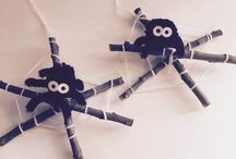 Creare una ragnatela di Halloween fai da te utilizzando legnetti e lana / *Creare una ragnatela di Halloween fai da te utilizzando legnetti e lana. * Idea creativa per festeggiare Halloween con creatività.  #halloween #halloweenparty #diycrafts #handmade #ragnatela #ragno #mycandycountry  Seguimi su: www.mycandycountry.it