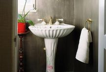DIY Bathrooms / by Giselle Kingsberry