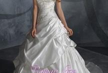 Dream wedding ideas / by Jessica Swihart