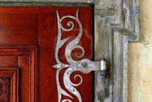 doors, windows, dividers, fireplace, floor, ceilling
