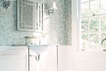 Powder Room / by Caroline Ricci