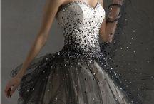 《dresses》