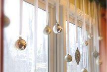 Pynt i vindu til jul