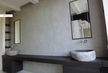Moderne badkamerkasten - Modern bathroom ideas / Moderne badkamerkasten op maat ontworpen als onderdeel van totaalontwerp.  - Modern bathroom cabinets designed as part of total interior and bathroom design. Interior design and custom made furniture Amsterdam