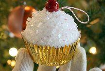 Cupcake smash ornament