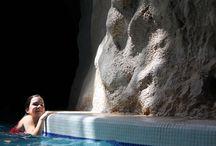 Barlangfürdő /Cave Bath / A miskolctapolcai Barlangfürdő egy Európában egyedülálló, meleg források felett emelkedő barlangban kialakított fürdőhely.A 30°C-os víz és a barlang klímája gyógyhatású, főként ízületi betegségek esetén, de sótartalma alacsonyabb, mint a gyógyvizeké, nem éri el az 1000 milligramm/litert sem, így korlátlan ideig lehet benne fürödni. Mivel a fürdő nagy része zárt és a víz meleg, egész évben látogatható.