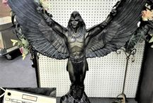 Statues/Figurines