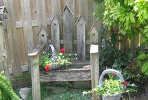 Birdhouses and Birdfeeders / by Judy Hogan