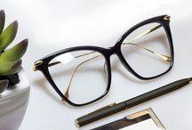 Óculos de grau.