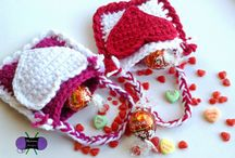 BOS: Valentines Crochet Pattern / From Valentines to Thanksgiving and everything in between, The Battle of the Stitches designers have fun projects for you!  Crochet patterns Paid and Free to celebrate each holiday.