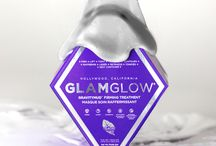 GRAVITYMUD FIRMING TREATMENT / GRAVITYMUD™ is an Out of This World Innovative Peel Off Mud treatment that instantly leaves skin feeling firmer and more lifted. Mega-Targeted ingredients transform from White to Brilliant Chrome, delivering toned, sexy contours. Powered by TEAOXI™ Marshmallow + Licorice Leaf.