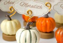 Thanksgiving and Fall / A board all about Thanksgiving treats, Fall and Autumn inspired DIYs and crafts for the cozy season.