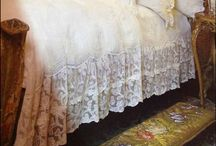 SHABBY LACE BED FRILL