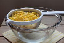 Utensílios indispensáveis / Tudo aquilo que você precisa para deixar o seu dia-a-dia na cozinha mais prático.