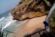 Holiday Destination / Picture of the holiday destination that i ever visited, like beach, cave, other city in my country