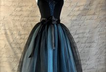 Fashion: Dresses & Skirts / by Melissa Atwell