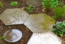 Garden-Stepping Stones & Borders