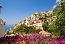 Positano, Wybrzeże Amalfi, Włochy / Jeśli swoje wakacje spędzicie na campingu Baia Domizia, wizyta w najpiękniejszym mieście Kampanii Positano jest absolutną koniecznością:  https://eurocamp.pl/miejsca-warte-odwiedzenia/wlochy/positano-wybrzeze-amalfi-wlochy#!prettyPhoto