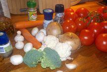 Heerlijke en makkelijke recepten / We maken niet alleen de allerlekkerste snacks, maar ook andere gerechten, met makkelijke recepten om zelf te maken.