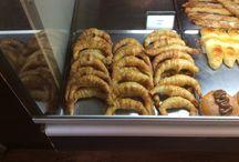 Comida Argentina / Son fotografías de comida argentina tanto como dulce o salada.                          Esto está en la glorieta del puente de Segovia en madrid