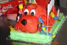 Cakes so many so cute.. / by Carol Doody