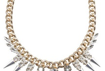 Chain Reaction / Sweet and edgy jewelry for Women. Statement pieces and more; Chunky chains, Chains with spikes, Rose Gold, Gold, Gunmetal and Silver chains.