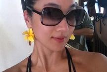 Fleurings Earrings / Wear fresh flowers as earrings with Fleurings vase jewelry