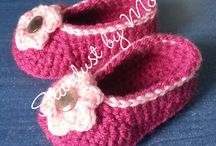 Happy baby feet / All kinds of crocheted items for babies: shoes, blankets, hats, headbands.