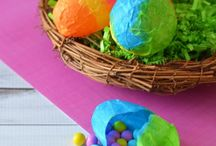 Easter Kids Crafts / Easter crafts and projects just for kids. Kids Crafts for Easter. Kids Projects for Easter. Kids Easter Crafts.