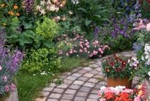 english country courtyards